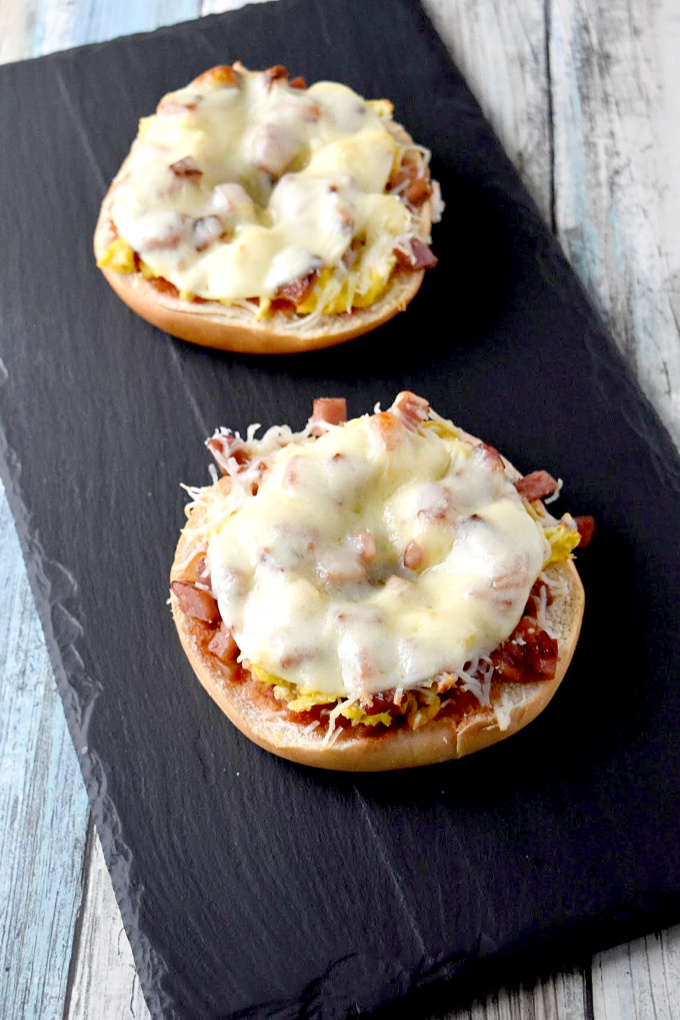 Breakfast Bagel Pizza is simple to make and tastes delicious! Set up a toppings bar and let your family or guests top their own for a fun brunch breakfast. #OurFamilyTable