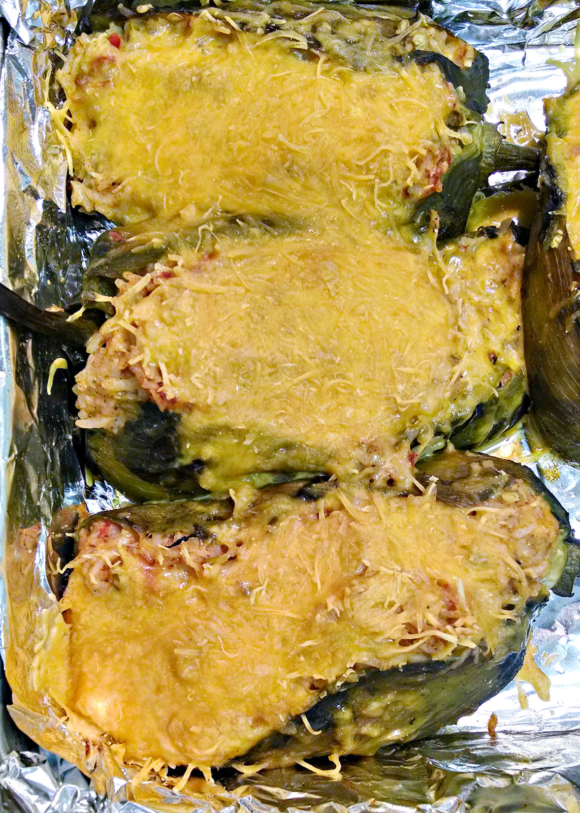 A Kitchen Hoor   #MeatlessMonday Rice and Cheese Chiles Rellenos @flowerfroggirl
