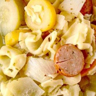 The chicken flavor with the Italian spices and the small bits of cheese inside were just the perfect complement to the cheese tortellini in this Tortellini Minestrone with Chicken Sausage.