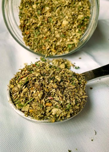 Not quite the same as an Italian spice blend, this Tuscan Spice Mix not only has the flavors of Tuscany, but has a kick with some crushed red pepper.