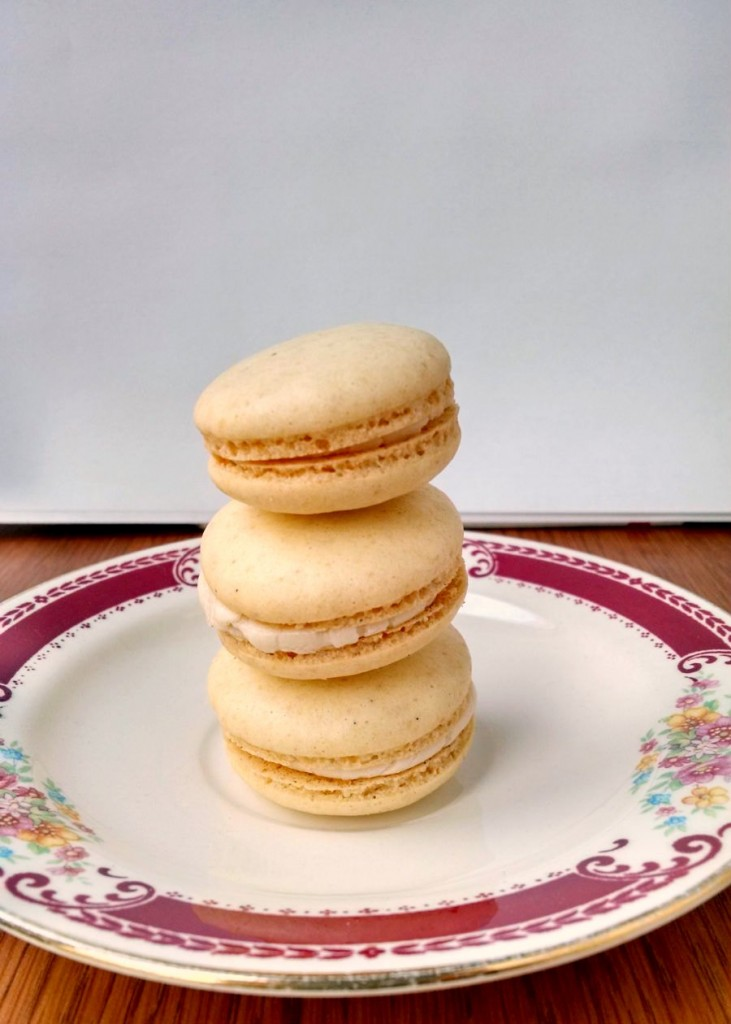 A childhood favorite becomes an grown up cookie! These Cracker Jack Macaron will take you back to the ballpark!