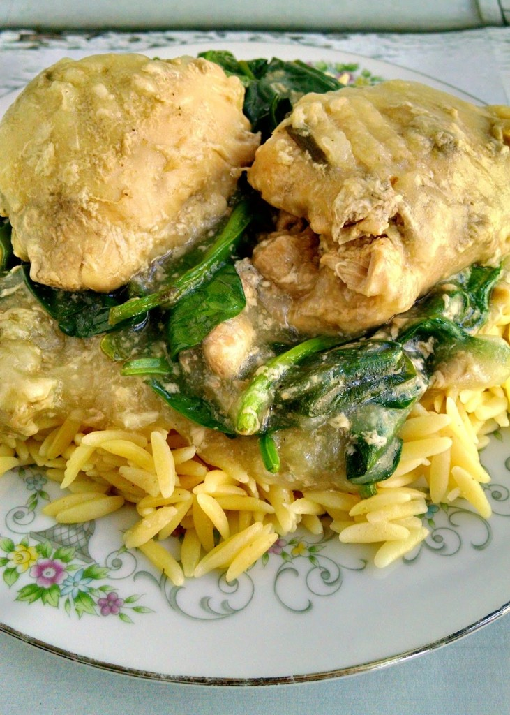 With just enough lemon flavor to be bright and delicious, this Lemon Chicken with Spinach and Orzo is fantastic! The trick is boiling the orzo in some of the broth from the chicken.
