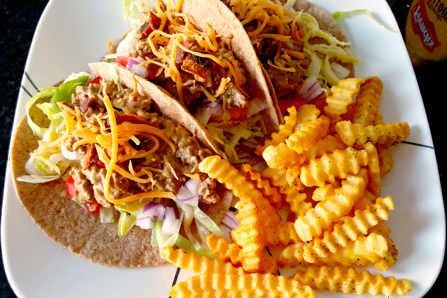With all the fun flavors of a bacon cheeseburger, these Tacos Americano aka Bacon Cheeseburger Tacos come in a convenient taco wrapper! This will be a kid fave meal any day of the week.