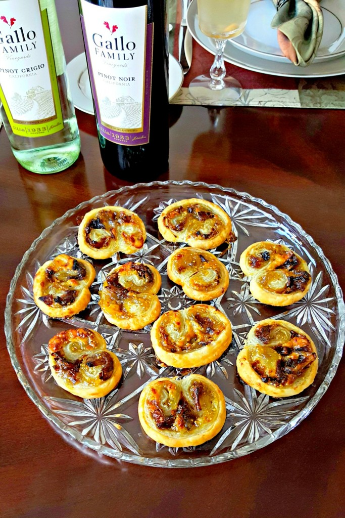 With just four simple ingredients, you can have a fancy appetizer for your guests. Blue Cheese, Fig, and Caramelized Onion Palmiers will impress evenly the in-laws this holiday season!