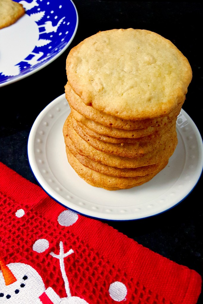 The Macadamia Nut Butter Crisps combine the thin, crispy, and slightly chewy Swedish butter crisps with a macadamia nut cookies. These cookies are addictive! Don't say I didn't warn you!