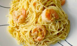 Pasta Carbonara with Shrimp and Leeks