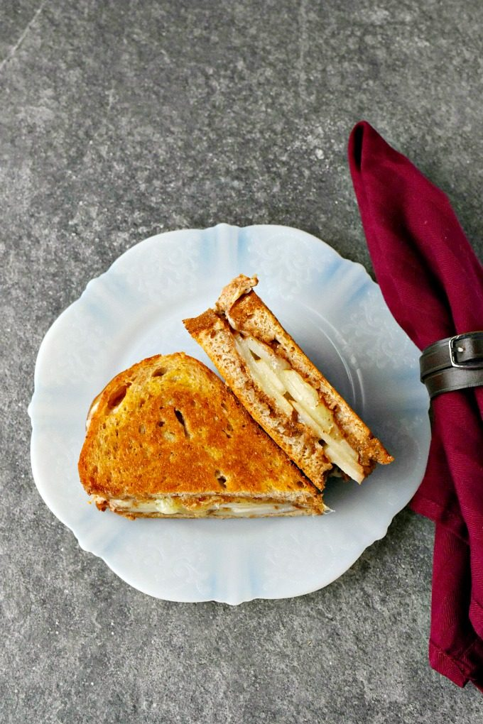 Almond Apple Manchego Grilled Cheese #AppleWeek