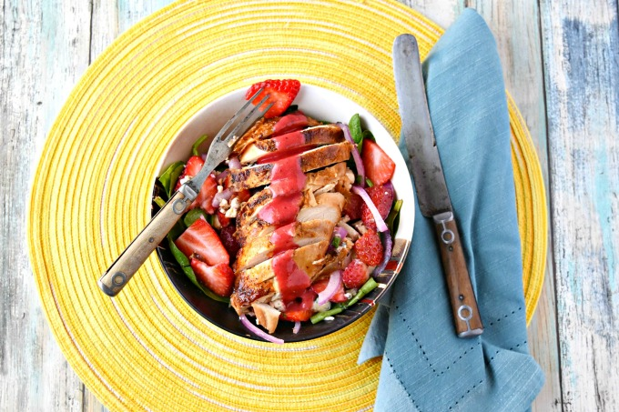 Strawberry Chicken Spinach Salad #SundaySupper
