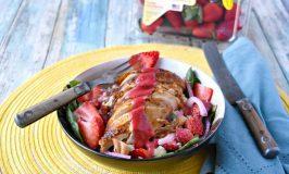Strawberry Chicken Spinach Salad #SundaySupper