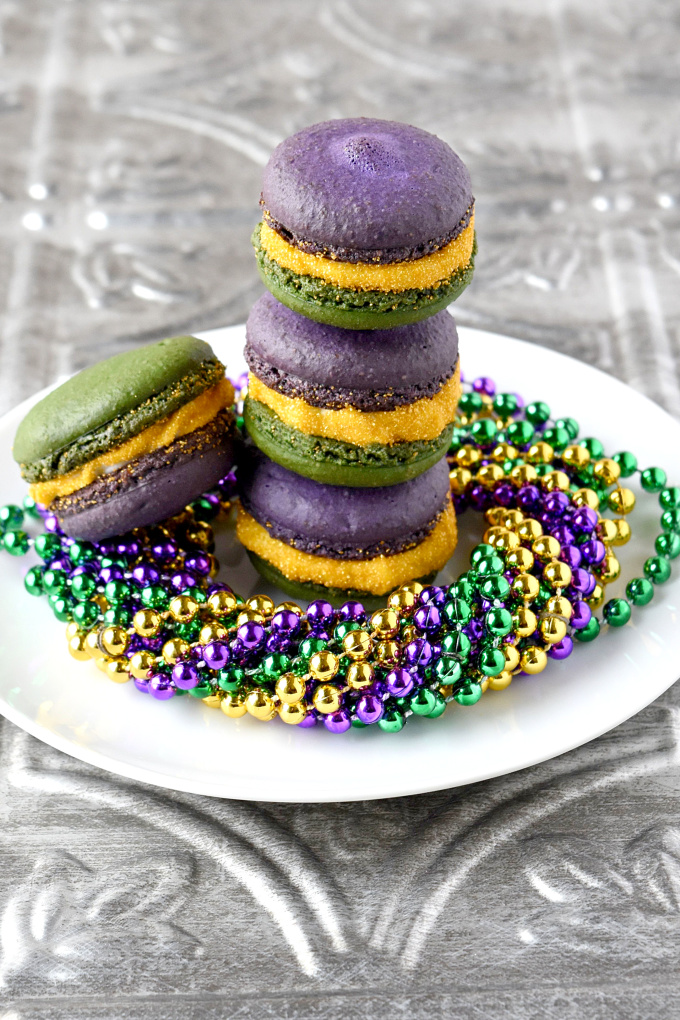 Bananas Foster Macaron are a party in your mouth!With banana shells and salted caramel with rum in the buttercream, these macaron taste just like #MardiGras.