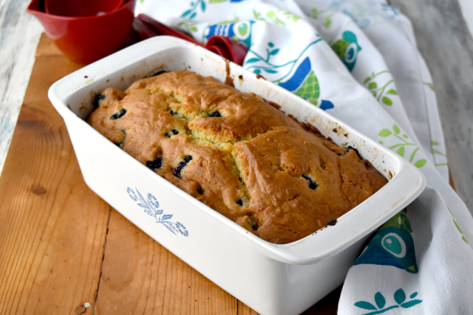 This Easy Blueberry Bread comes together in minutes. Then pop it into the oven for a delicious treat for your family. #BlueberryWeek