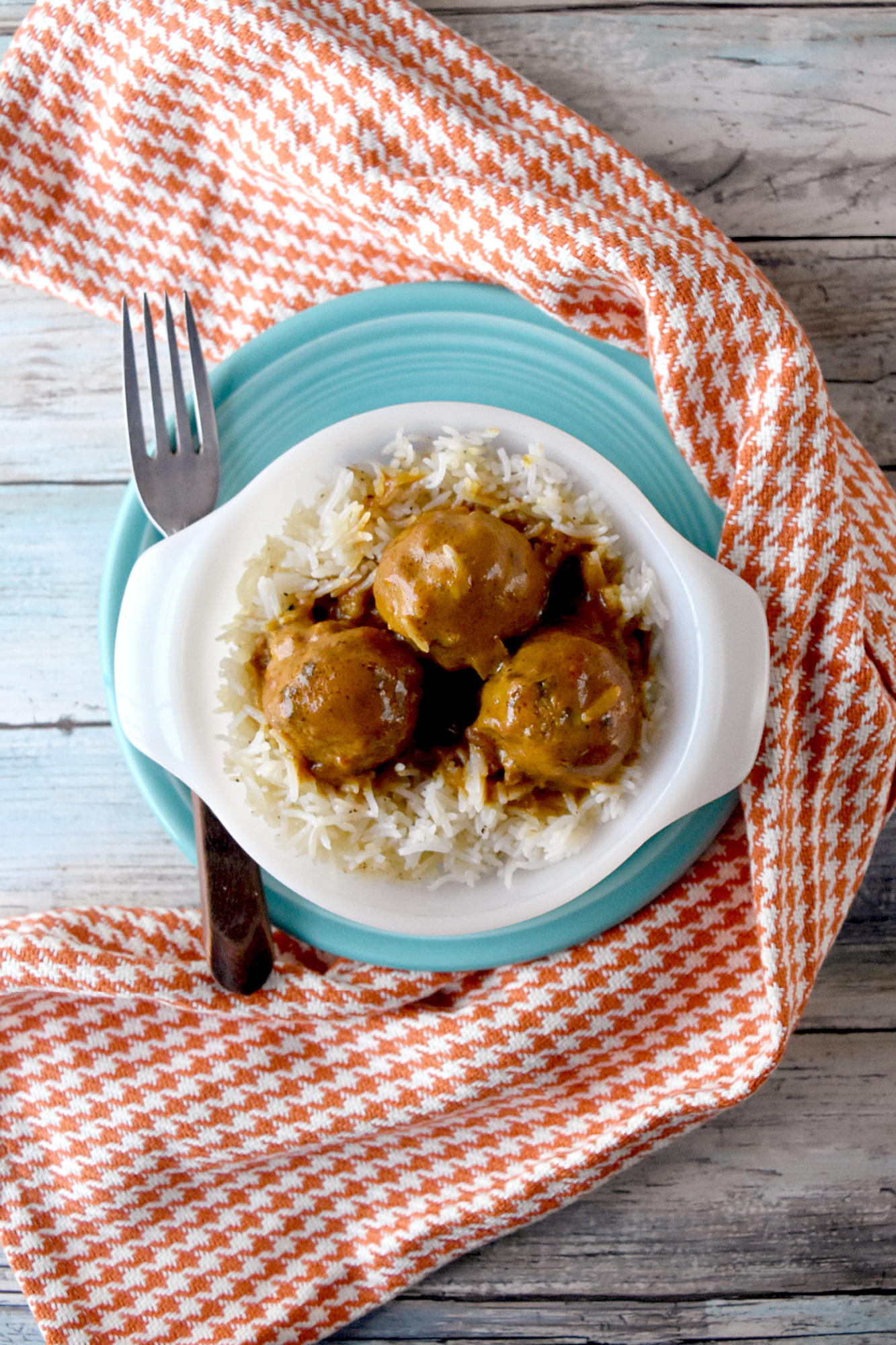 Thai Coconut Turkey Meatballs are packed with Thai flavor and creamy coconut goodness.  They're a quick and easy meal for any night of the week.  #eatcleanlivehappy #kevinsnaturalfoods #kevinsrecipechallenge